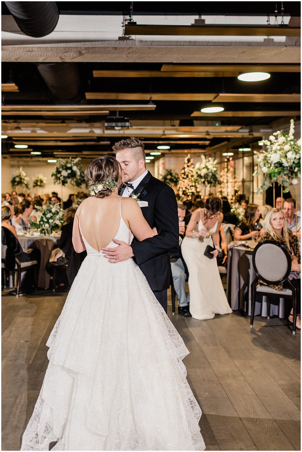 Bride and Groom first dance photos