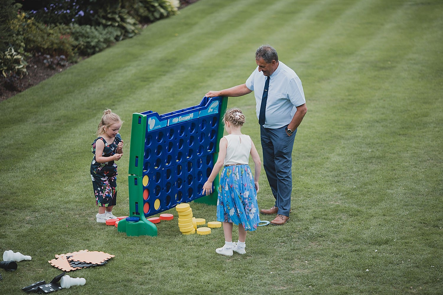 lawn games at a summer wedding