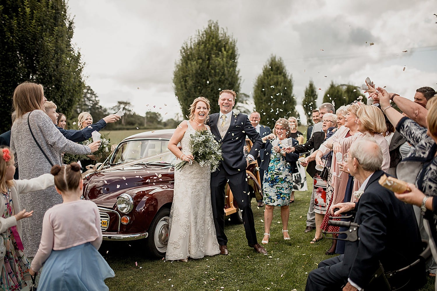 confetti at budddileigh farm wedding